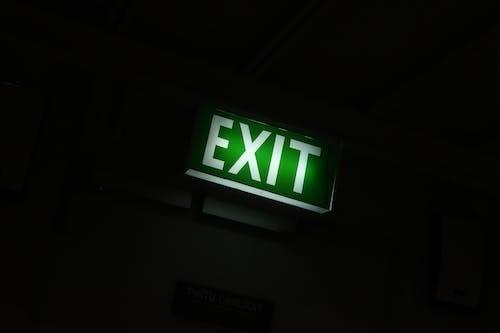 Foto stok gratis bimbingan, diterangi, exit, isyarat
