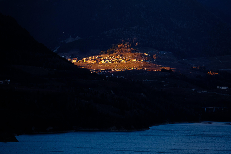 Základová fotografie zdarma na téma domy, hory, krajina, malebný
