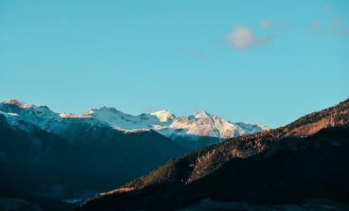 Fotobanka sbezplatnými fotkami na tému chladný, denné svetlo, dobrodružstvo, hora