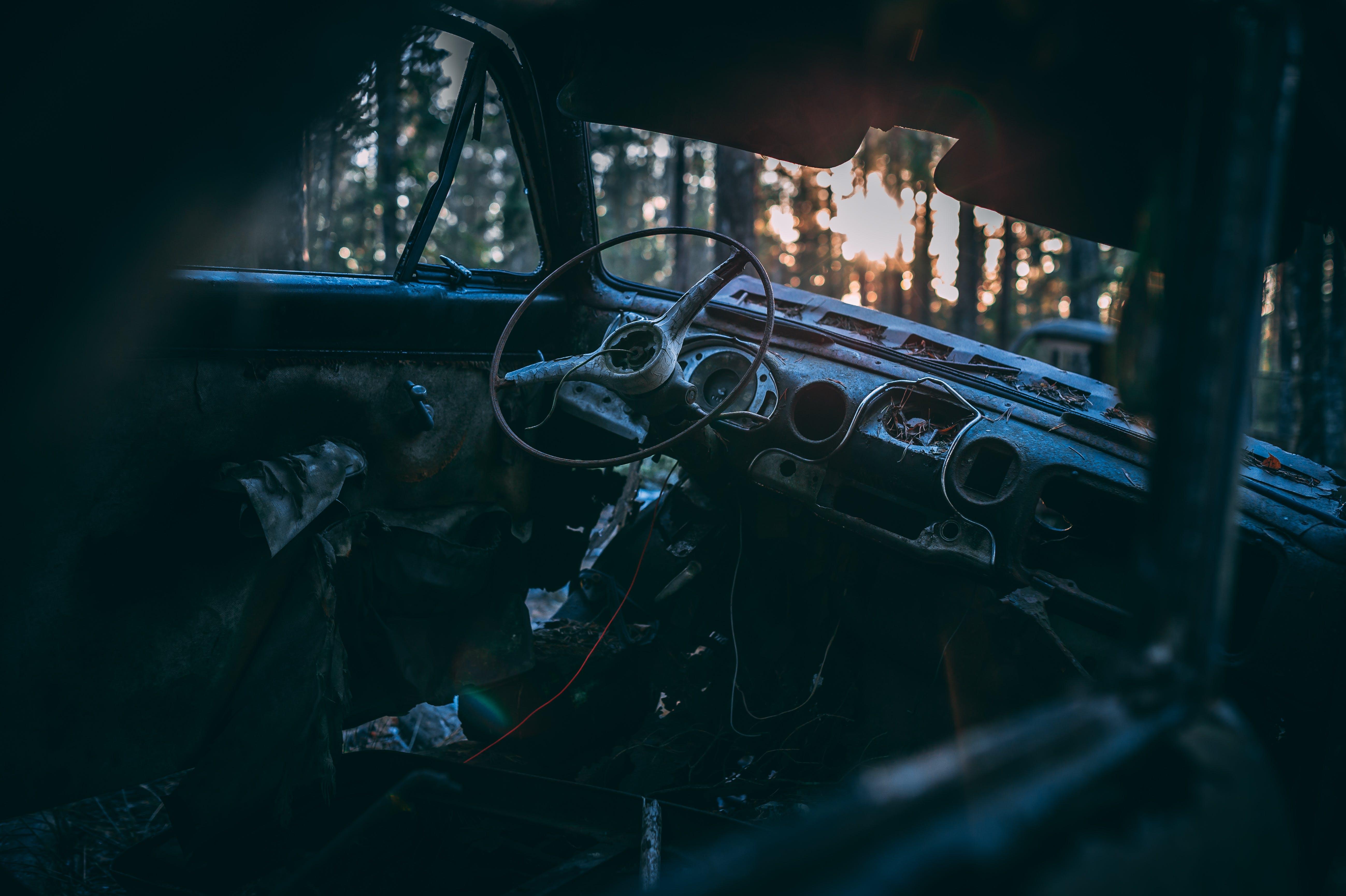 Kostenloses Stock Foto zu abendsonne, armaturenbrett, auto, autoinnenraum