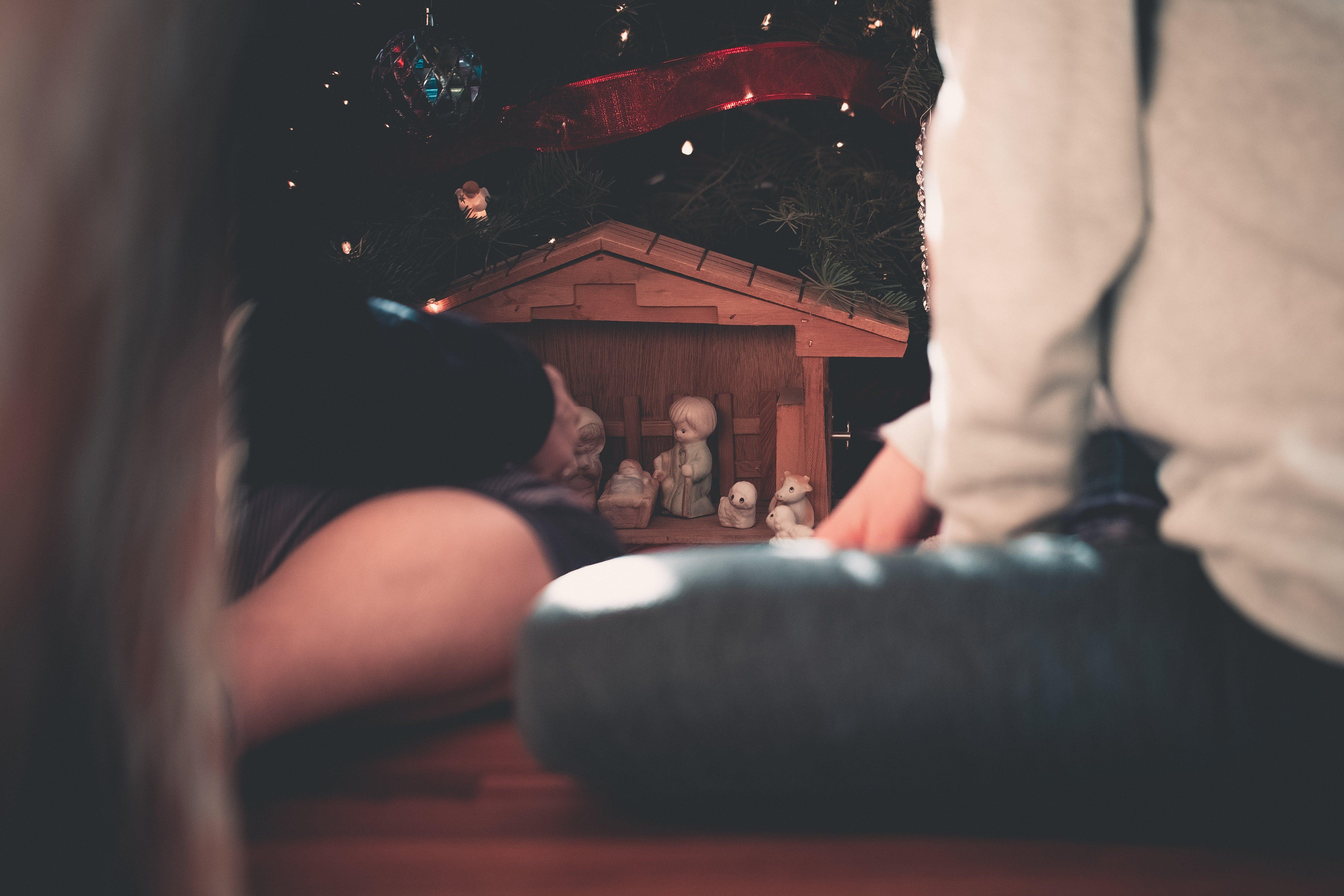 of blurred background, bokeh, christmas decor, christmas lights