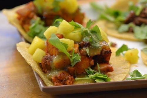 Foto profissional grátis de alimento, almoço, comida mexicana, comida rápida