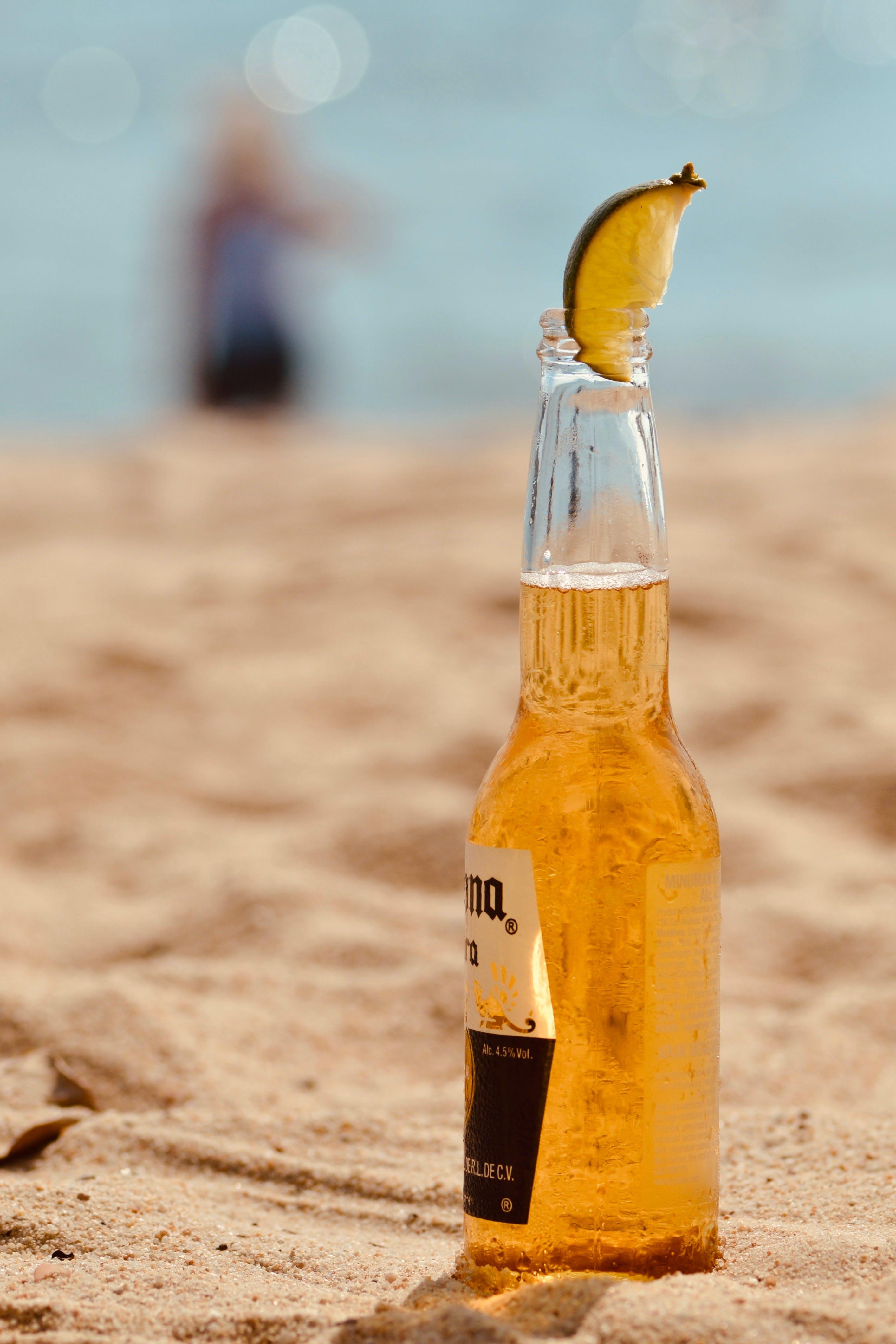 Δωρεάν στοκ φωτογραφιών με ακτή, αλκοόλ, άμμος, αναψυκτικό