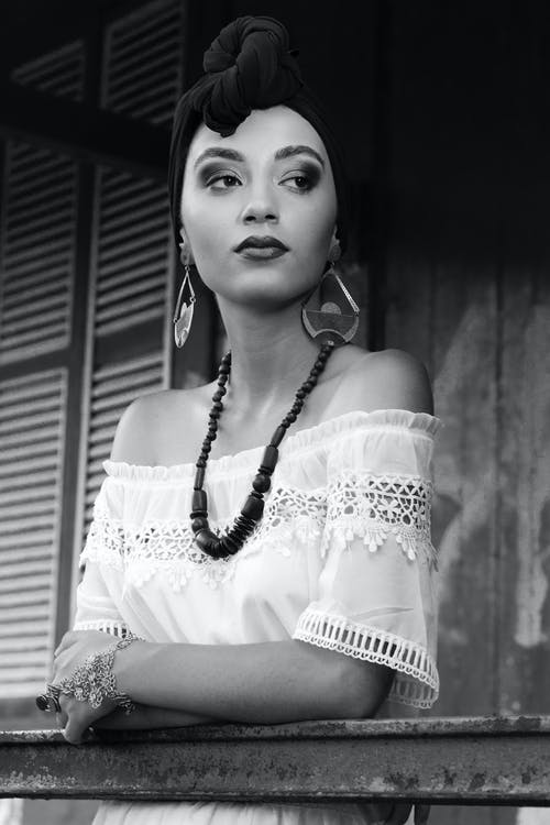 Gratis stockfoto met aantrekkelijk mooi, Afrikaanse vrouw, Afro-Amerikaanse vrouw, denken