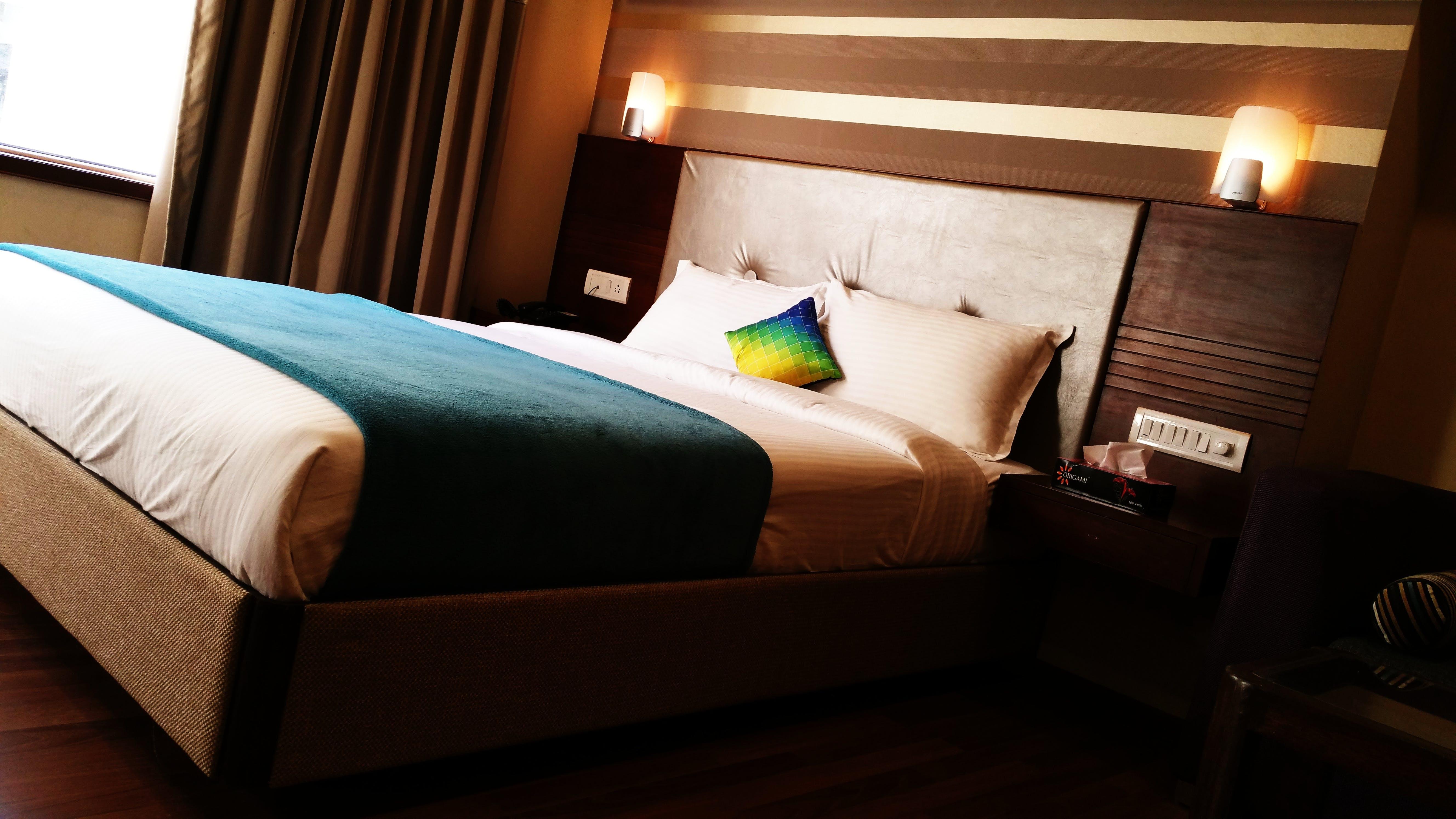 Gratis stockfoto met bed, binnenshuis, blauw, bruin
