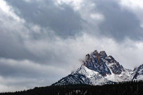 Δωρεάν στοκ φωτογραφιών με βουνά, βουνοκορφές, βράχια, βραχώδης