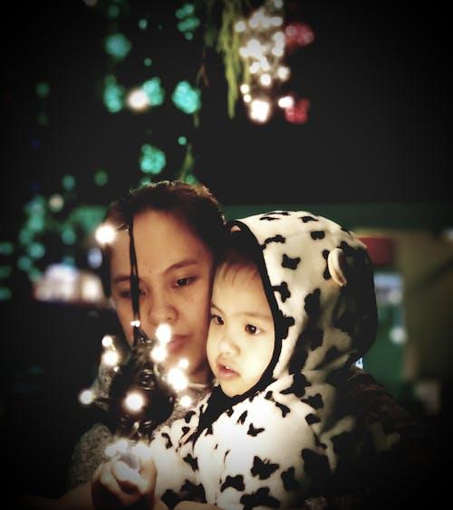 Imagine de stoc gratuită din beculețe, beculețe de crăciun, copil, cordon de beculețe