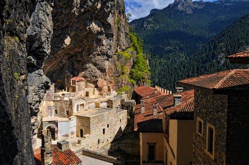 건물, 건축, 경치, 산의 무료 스톡 사진