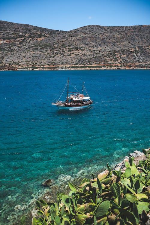 Gratis lagerfoto af båd, hav, vandfartøj, vandområde
