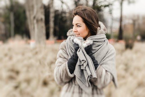 Kostnadsfri bild av fritid, glädje, ha på sig, kall