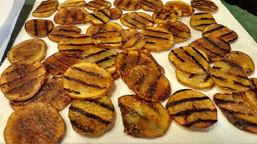 Gratis lagerfoto af hjemmelavet, kartoffelchips