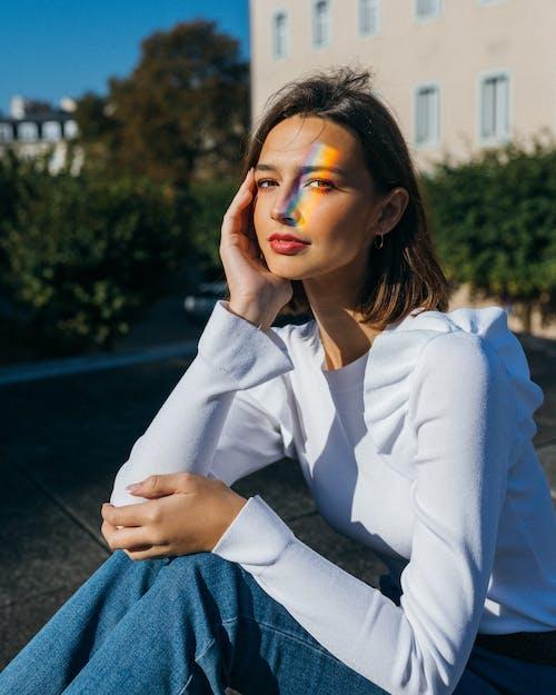 Fotos de stock gratuitas de arco iris estético, bonita, morena, mujer
