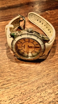 Free stock photo of wood, wristwatch, table, brown