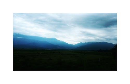Gratis arkivbilde med blue mountains