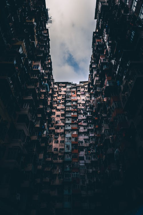 apartman binaları, bina cephesi, cephe, çok katlı binalar içeren Ücretsiz stok fotoğraf