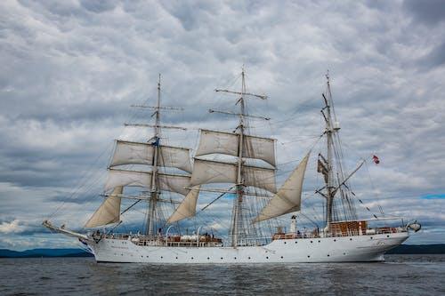 Ingyenes stockfotó árbóc, felhők, fregatt, haditengerészet témában