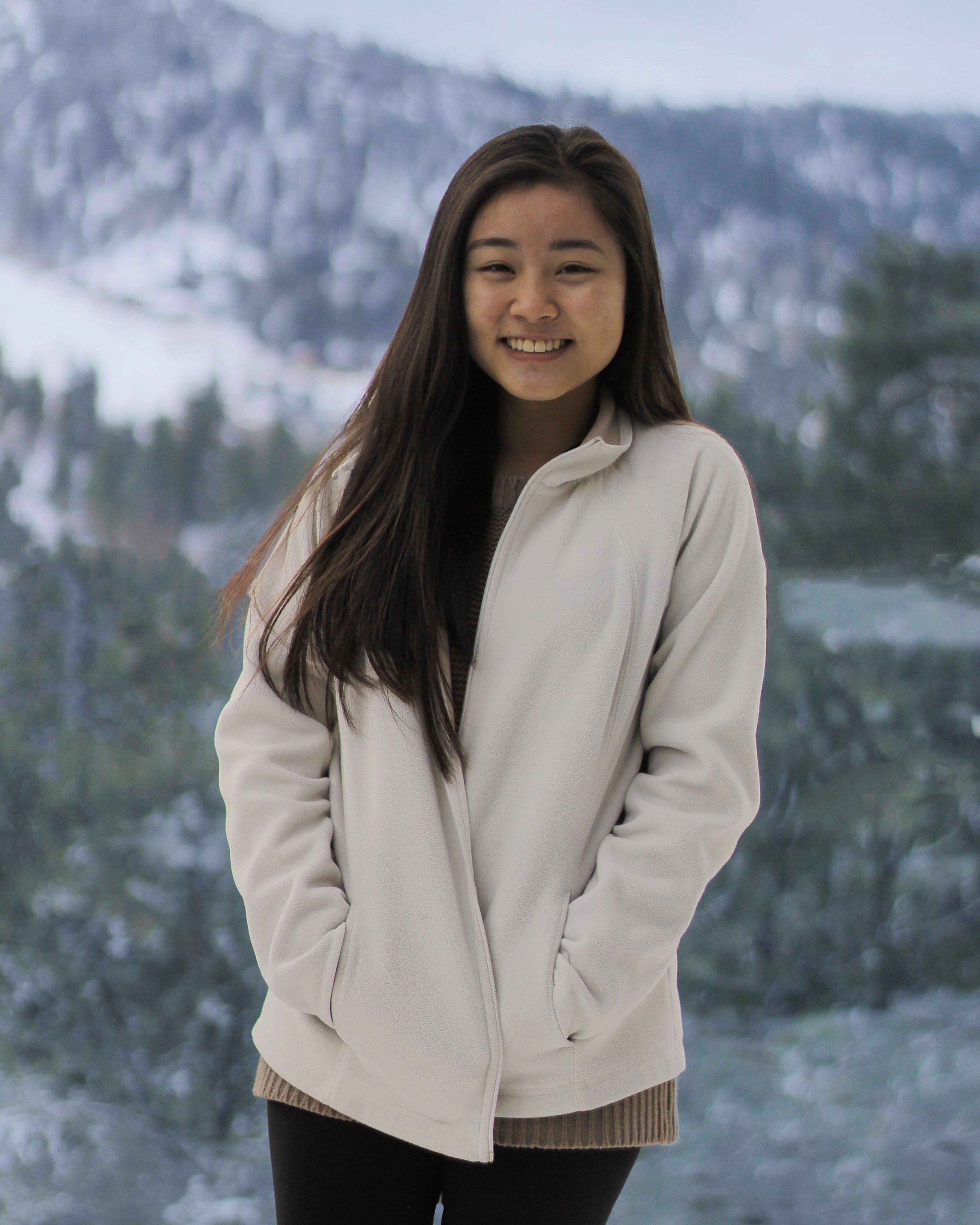 Gratis lagerfoto af bjerg, forkølelse, portræt, skov