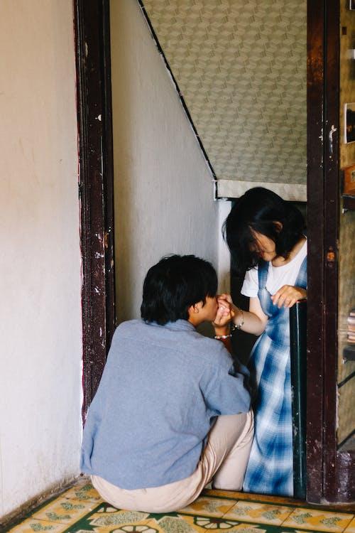 Безкоштовне стокове фото на тему «єднання, всередині, двері, дверний отвір»