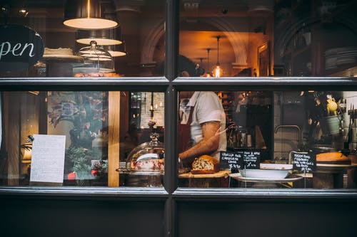 Fotos de stock gratuitas de adentro, café, calle, chef