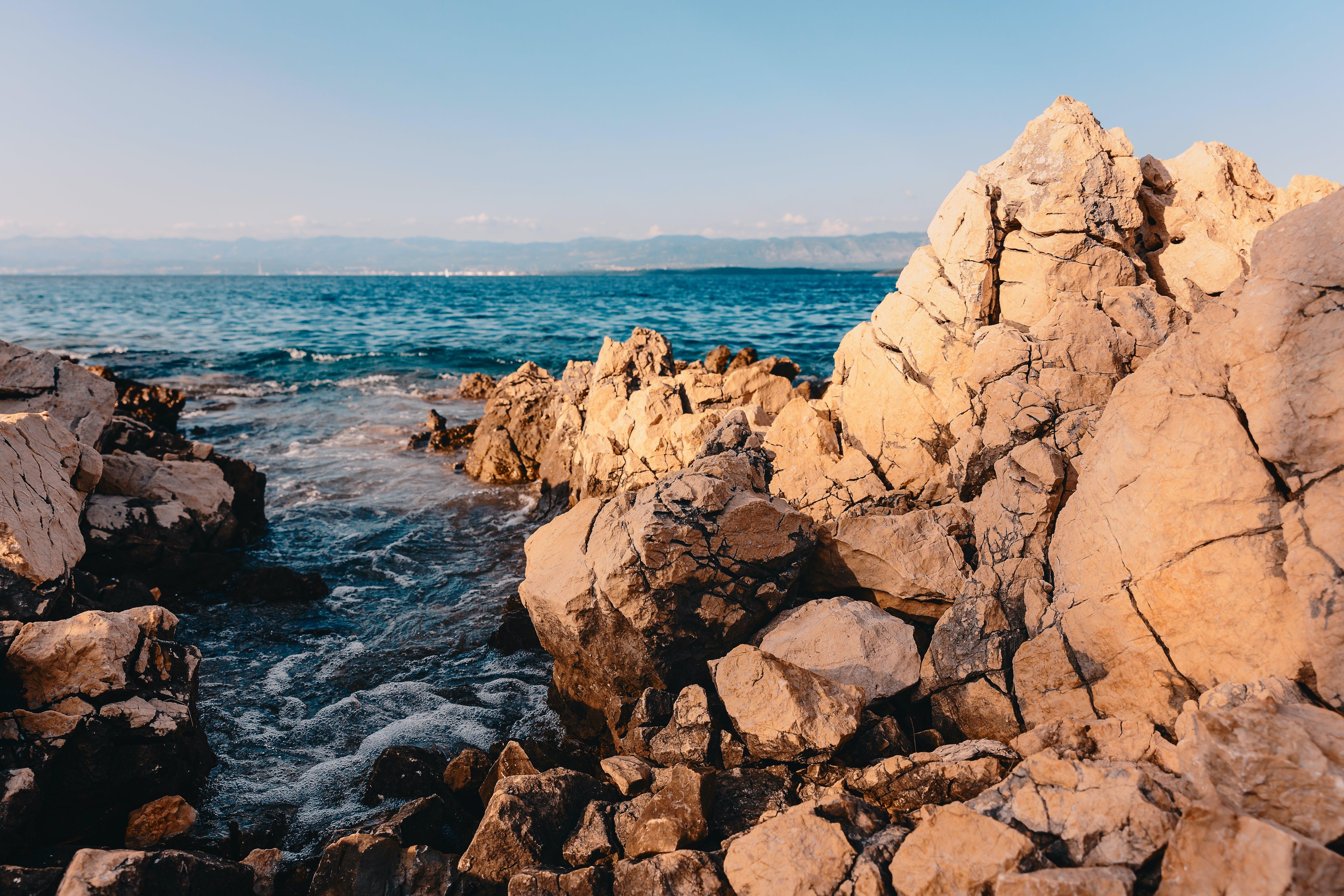 Foto stok gratis air, batu, berbatu, gelombang
