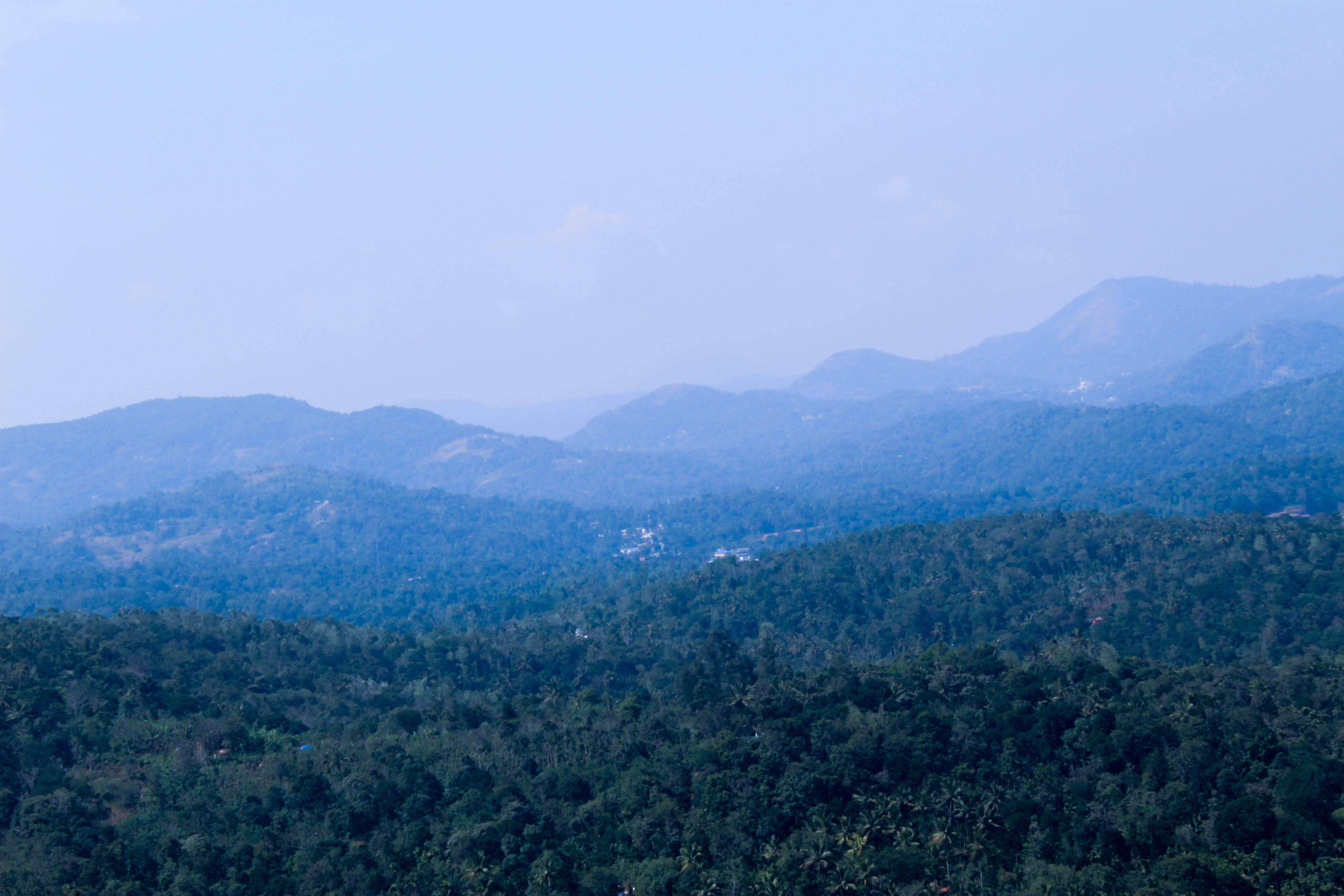 Kostenloses Stock Foto zu abenteuer, blauer himmel, hiil top, landschaften