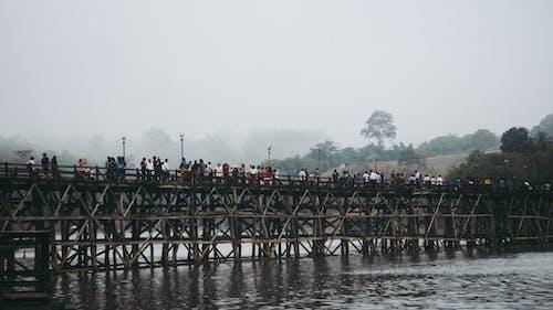 Gratis stockfoto met Aziatische mensen, Azië, brug, Kanchanaburi