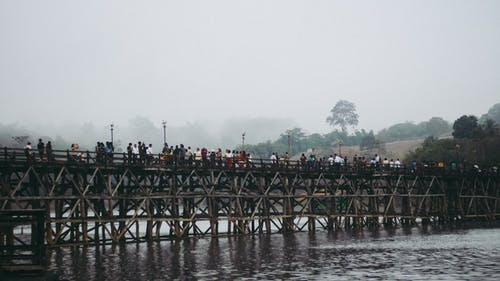 Foto stok gratis bangsa asia, jembatan, kanchanaburi, manusia