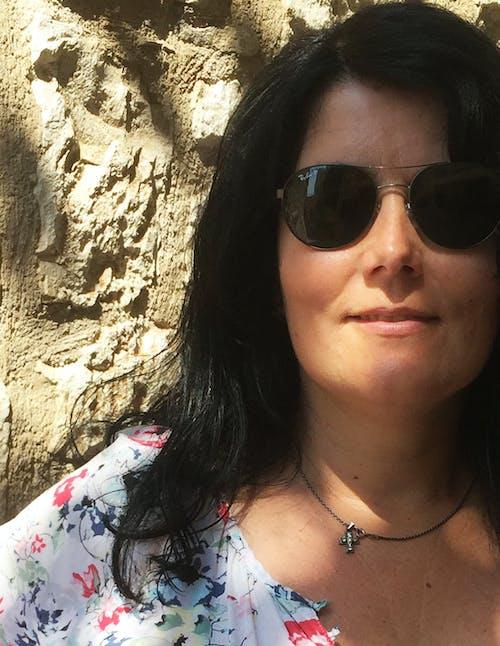 墨鏡, 女人, 肖像, 黑髮 的 免費圖庫相片