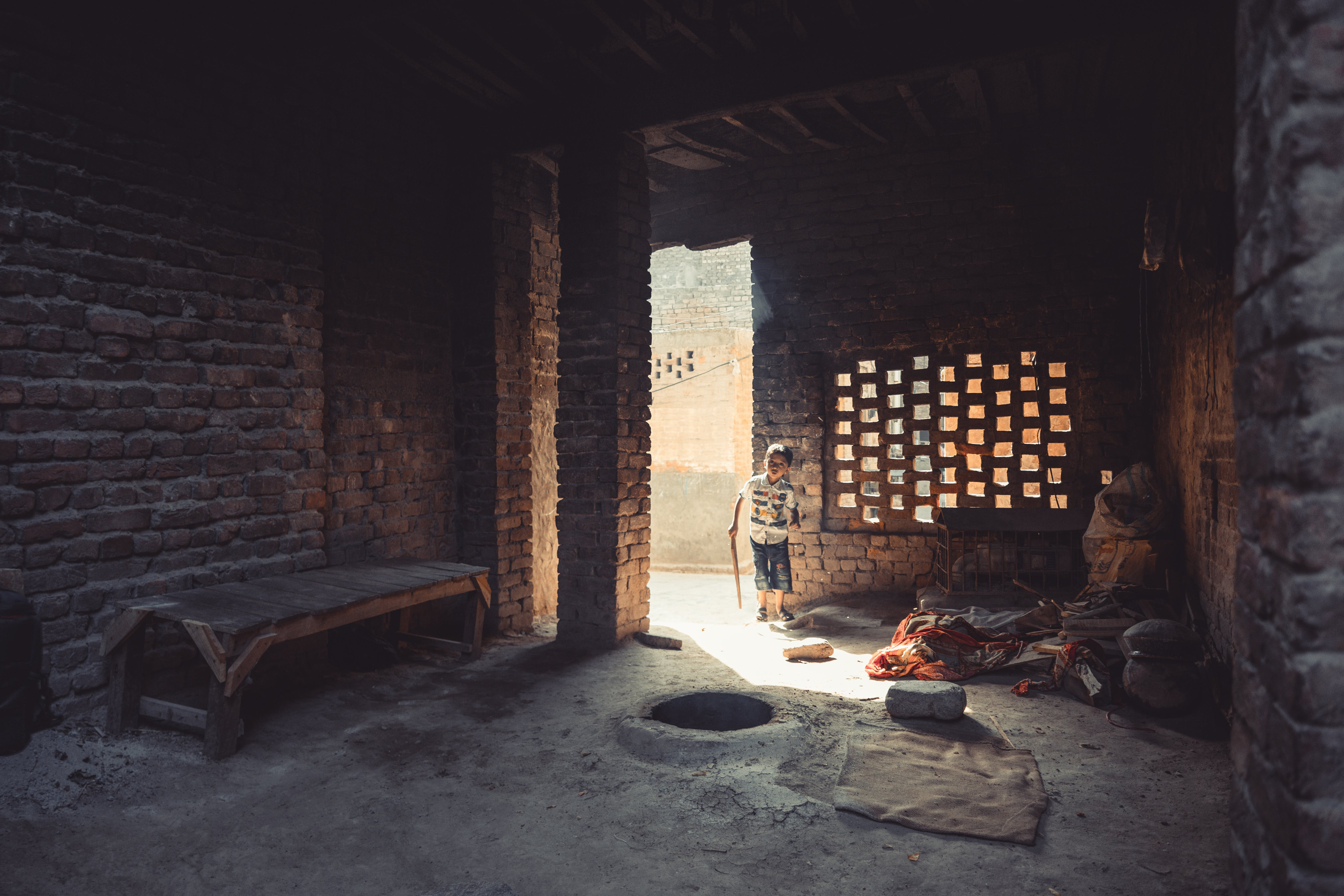 子, 廃墟, 戸口の無料の写真素材