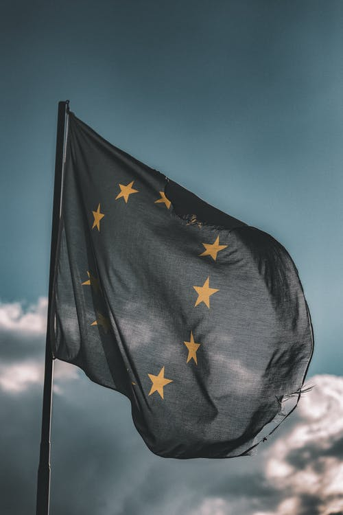 acomiadant-se, bandera europea, cel