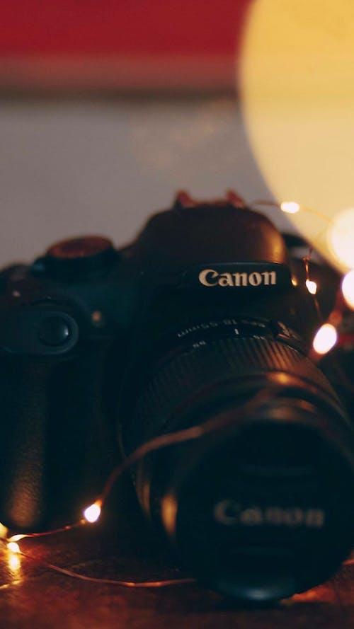 Gratis stockfoto met 4k achtergrond, canon, fel, kerstlampjes