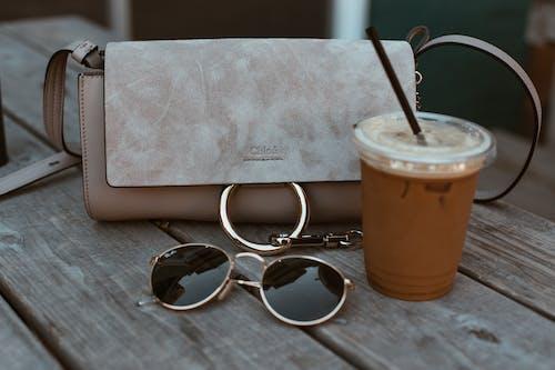 Photos gratuites de accessoire, boire, lunettes de soleil, oculaire