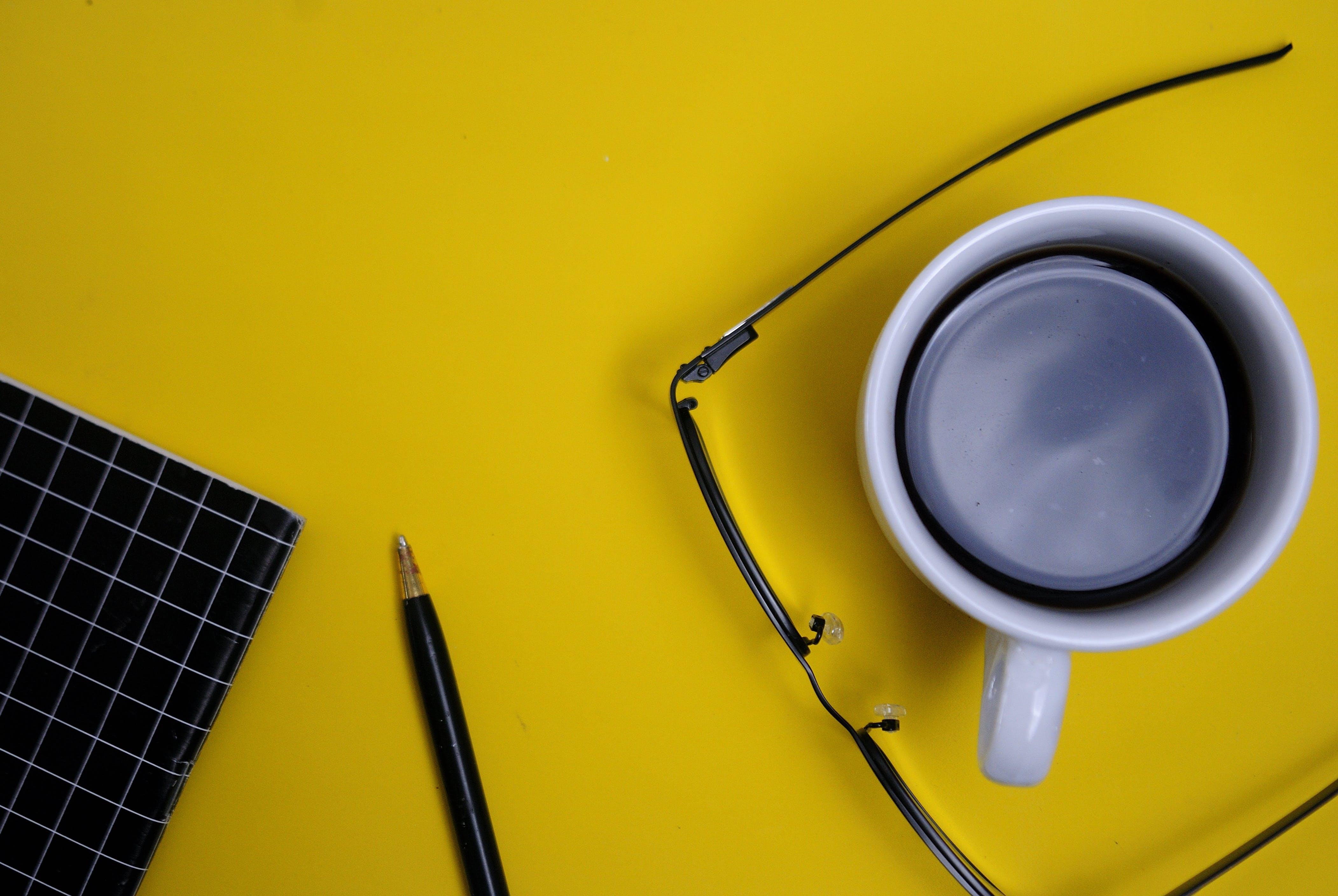 Kostenloses Stock Foto zu arbeiten, kaffeepause, schreiben