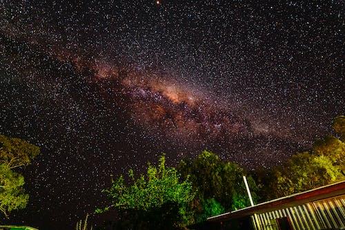 gece gökyüzü, Samanyolu, ünlüler, yıldız fotoğrafı içeren Ücretsiz stok fotoğraf