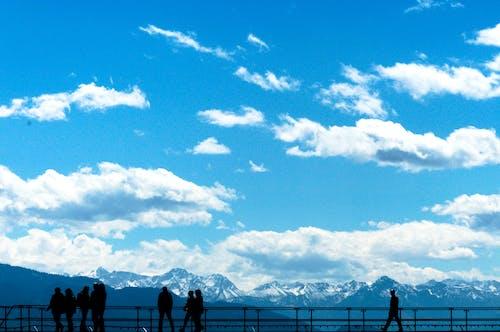 Imagine de stoc gratuită din cer albastru, munți, oameni