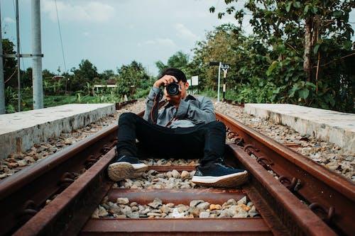 Fotobanka sbezplatnými fotkami na tému bunda, chlap, človek, cvaknutie
