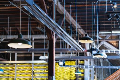 Бесплатное стоковое фото с corporte, мастерская, огни, промышленный