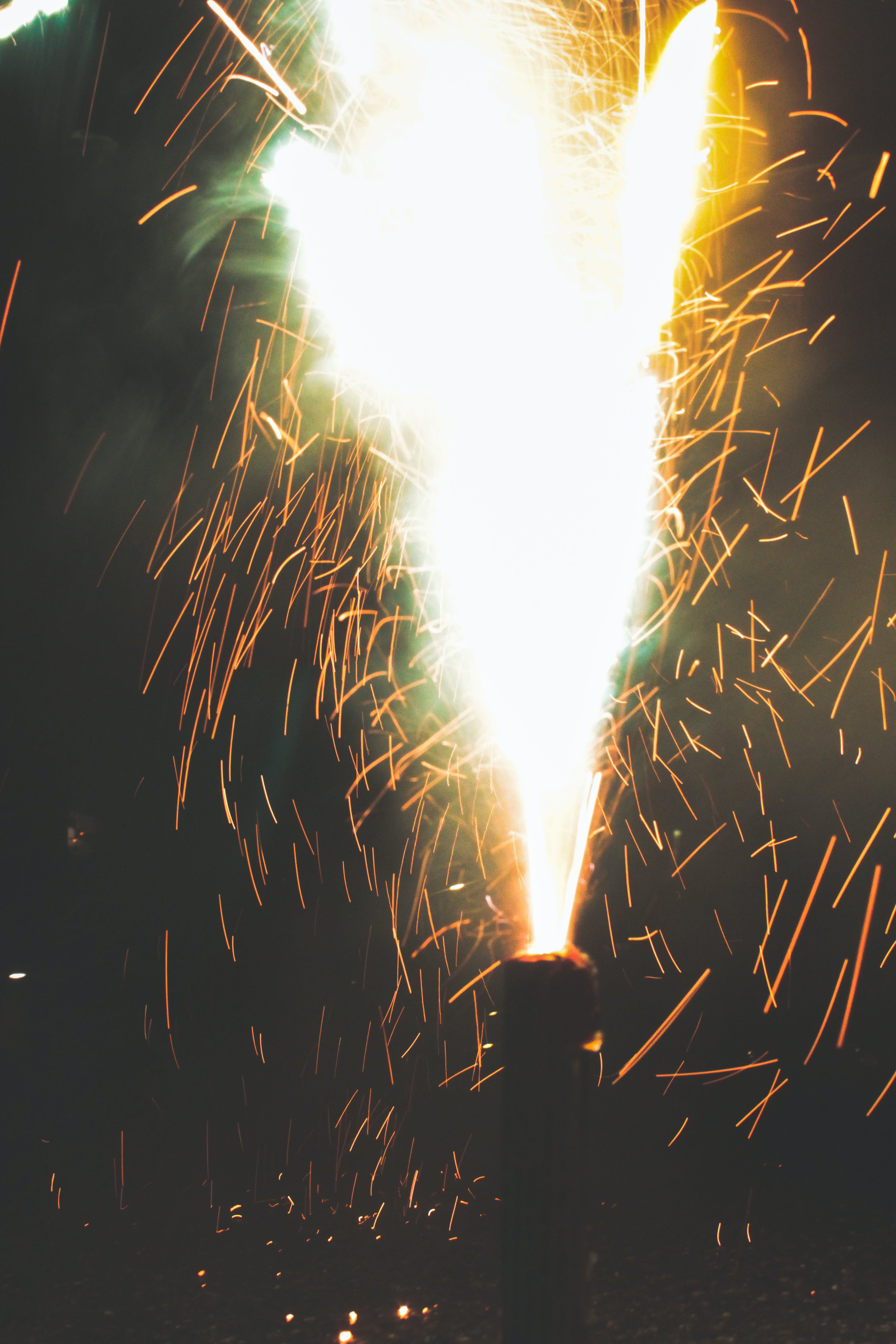 Kostenloses Stock Foto zu feuerwerk, funken, licht