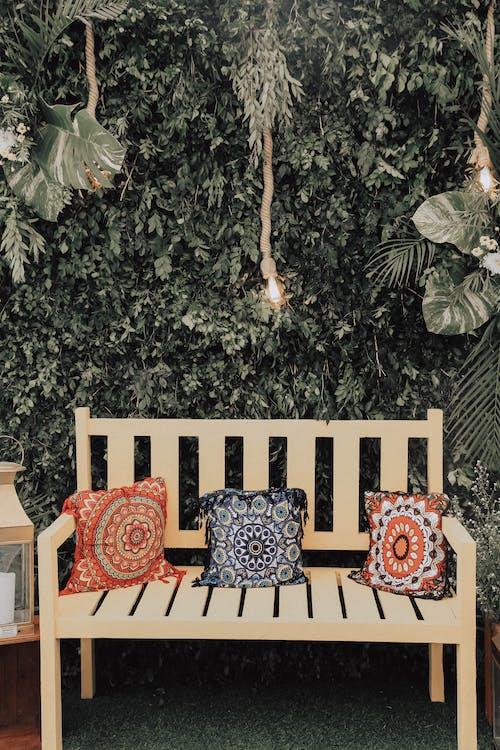 베개, 벤치, 의자, 작은 쿠션의 무료 스톡 사진
