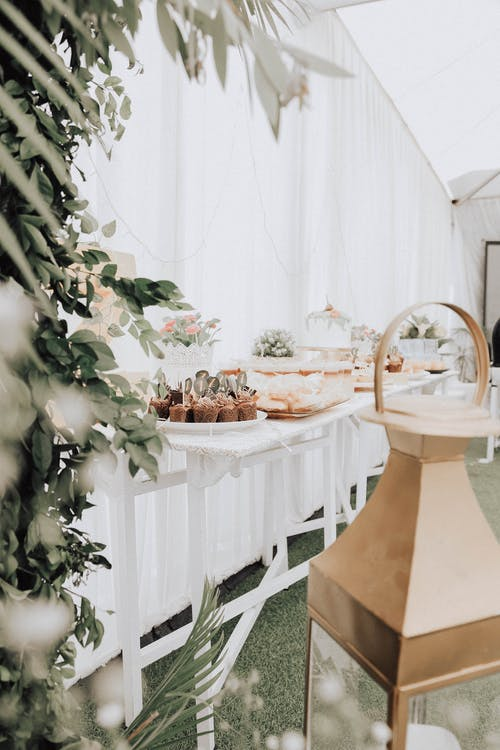 bitki örtüsü, davet, dekorasyon, hamur işi içeren Ücretsiz stok fotoğraf