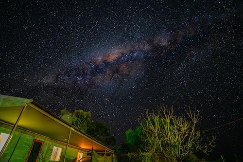 gece gökyüzü, ünlüler, yıldızlar içeren Ücretsiz stok fotoğraf