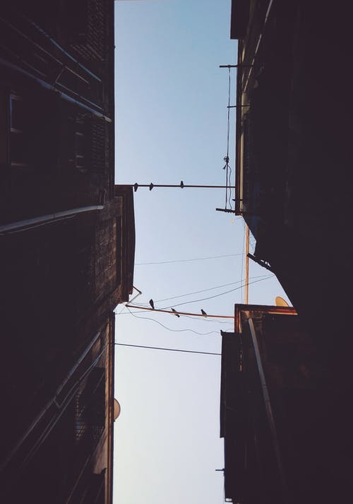 Gratis arkivbilde med arkitektonisk design, arkitektur, blå himmel, bygningens eksteriør