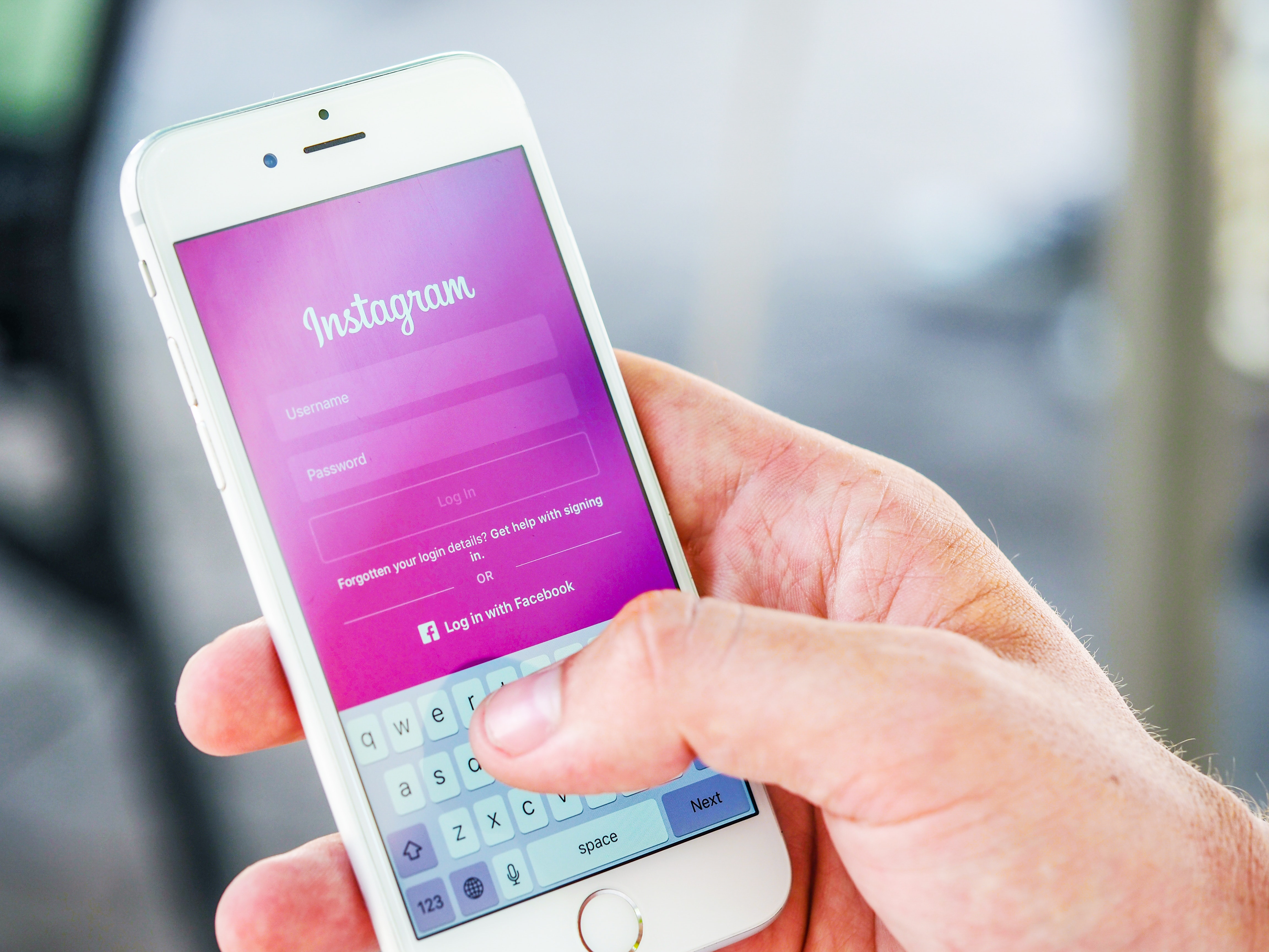 How to delete an old Instagram account