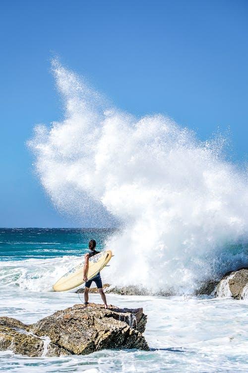 Základová fotografie zdarma na téma cákání, kameny, mávat, moře