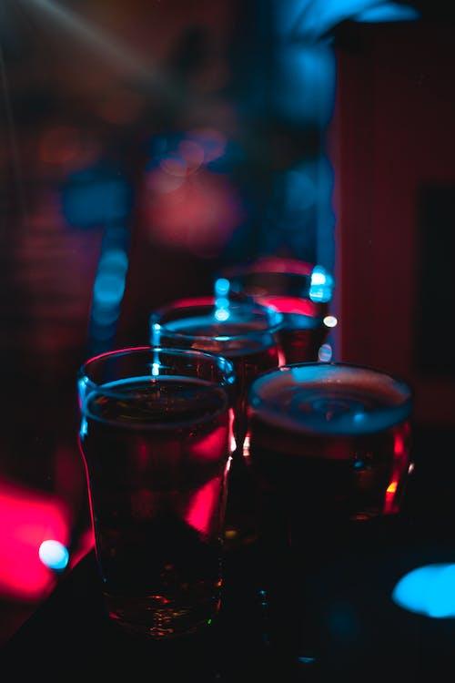 alevlenmek, alkol, alkollü içecek, alkollü içecekler içeren Ücretsiz stok fotoğraf