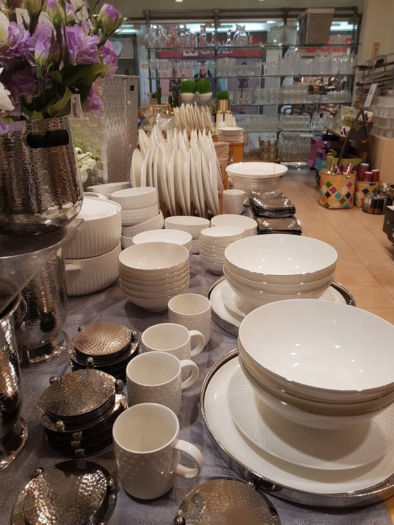 bordsaffärsbutik, plattor, porslin