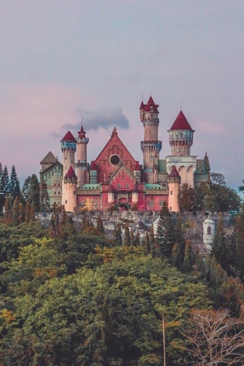 Foto d'estoc gratuïta de arquitectura, castell, colorit, edifici