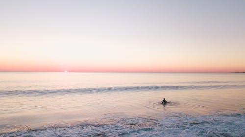 Fotobanka sbezplatnými fotkami na tému costa de caparica, horizont, krajina pri mori, more