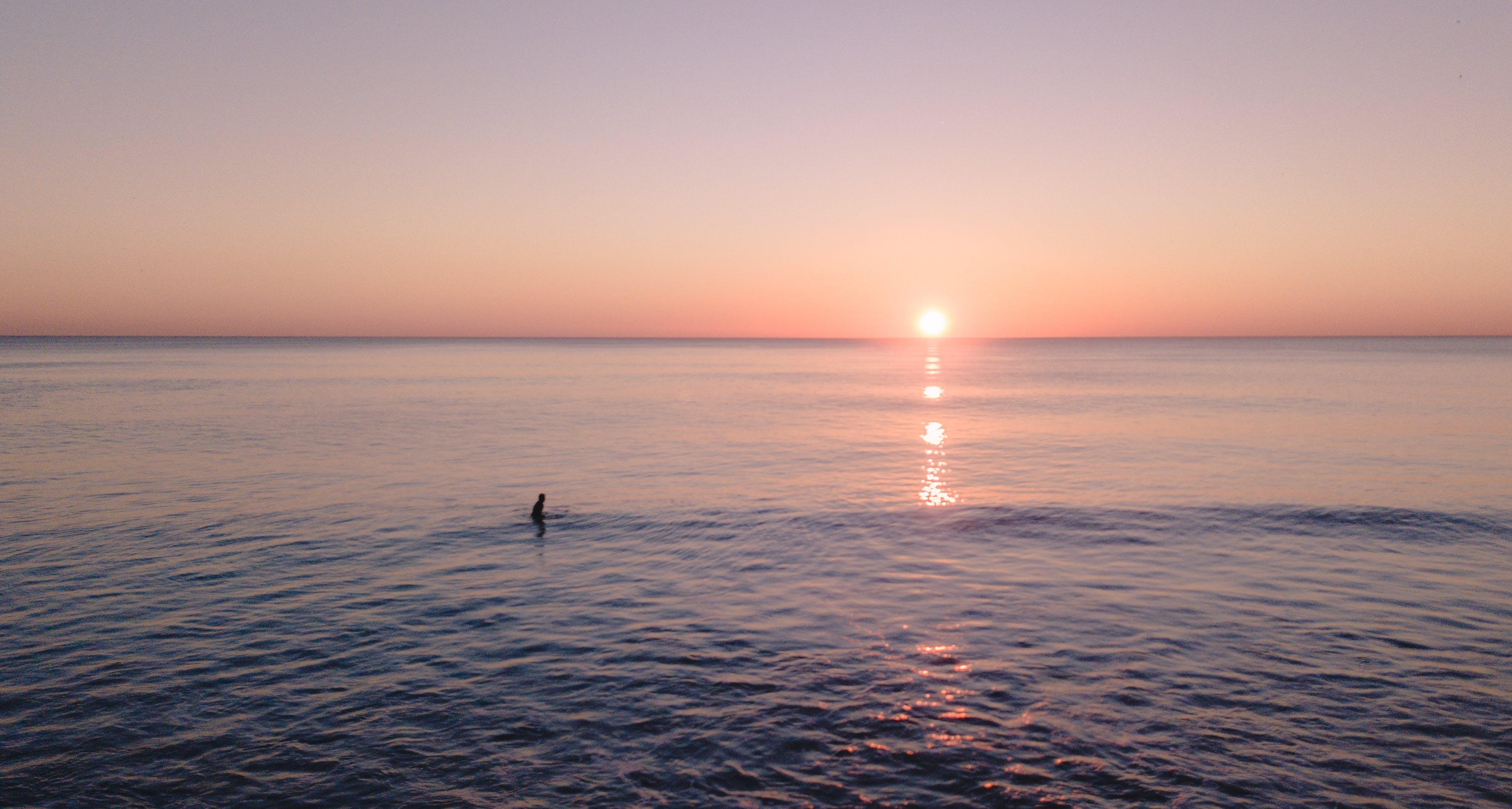Безкоштовне стокове фото на тему «вода, горизонт, з підсвіткою, Захід сонця»