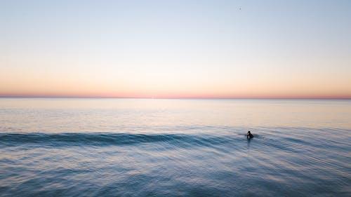 Fotobanka sbezplatnými fotkami na tému costa da caparica, horizont, krajina pri mori, more